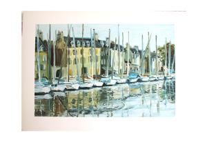 Reproduksjon med motiv av havnen i Port Navalo i Bretagne med båter og bygninger. Bilde.
