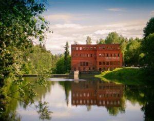 Bilde av Grini Mølle bygget om våren.